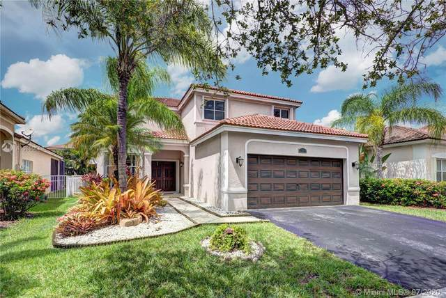 1319 Banyan Way, Weston, FL 33327 (MLS #A10890588) :: Green Realty Properties