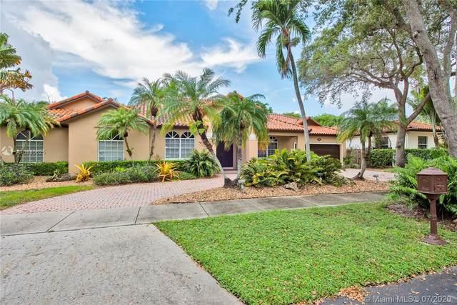 15530 NW 83rd Ct, Miami Lakes, FL 33016 (MLS #A10890625) :: Berkshire Hathaway HomeServices EWM Realty