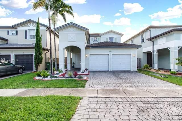 202 NE 36th Ave Rd, Homestead, FL 33033 (MLS #A10890821) :: Berkshire Hathaway HomeServices EWM Realty