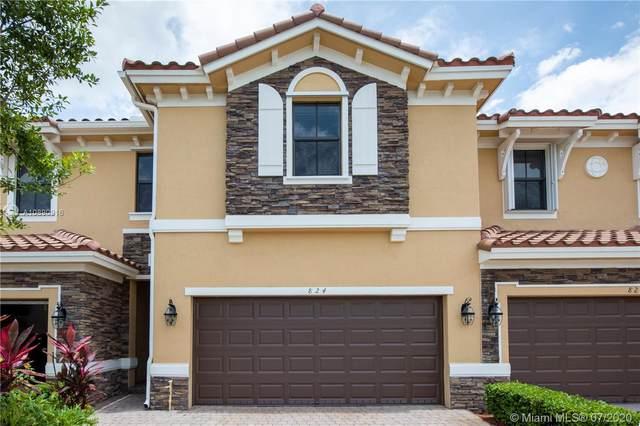 824 W Village Circle, Davie, FL 33325 (MLS #A10890916) :: Green Realty Properties