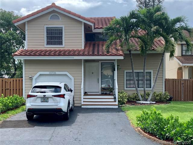 10726 SW 148th Ave Dr, Miami, FL 33196 (MLS #A10890997) :: The Paiz Group