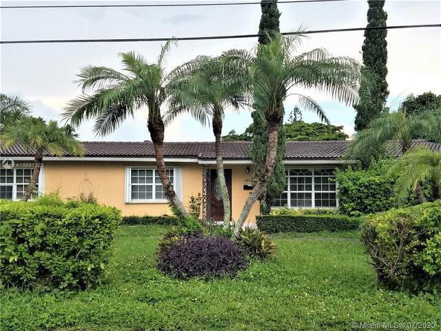 5860 SW 63rd Ave, South Miami, FL 33143 (MLS #A10891323) :: The Riley Smith Group