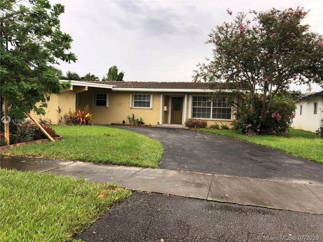 3819 Arthur St, Hollywood, FL 33021 (MLS #A10891390) :: Berkshire Hathaway HomeServices EWM Realty