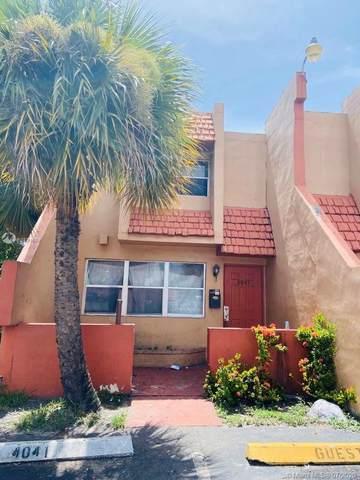 4041 NW 19th St #4041, Lauderhill, FL 33313 (MLS #A10891609) :: Berkshire Hathaway HomeServices EWM Realty