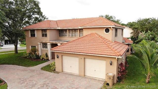 3200 Old Hickory Ct, Davie, FL 33328 (MLS #A10892712) :: Green Realty Properties