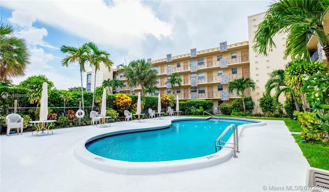 2145 Pierce St #113, Hollywood, FL 33020 (MLS #A10893223) :: ONE Sotheby's International Realty