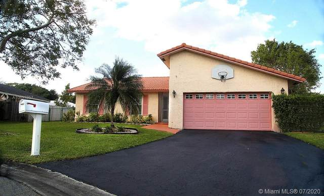 8107 NW 5th St, Coral Springs, FL 33071 (MLS #A10893357) :: The Riley Smith Group