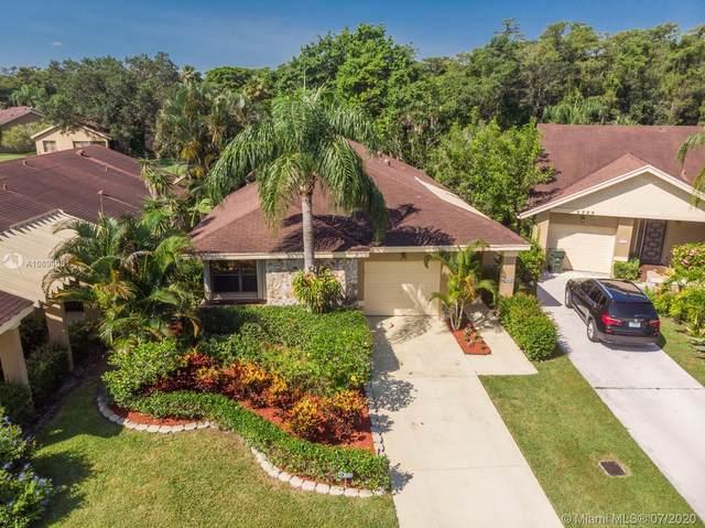 2713 Calliandra Ter, Coconut Creek, FL 33063 (MLS #A10894061) :: Grove Properties