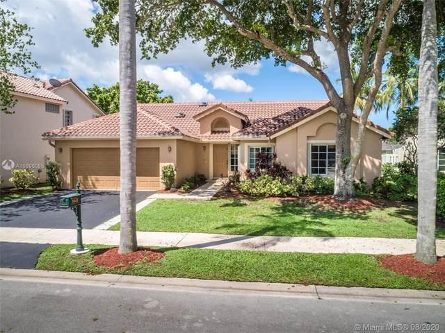 1045 Spyglass, Weston, FL 33326 (MLS #A10896085) :: Green Realty Properties
