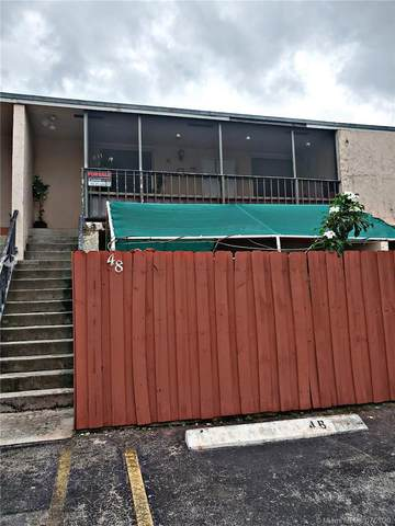 15665 SW 82nd Cir Ln 4-8, Miami, FL 33193 (MLS #A10896803) :: Castelli Real Estate Services
