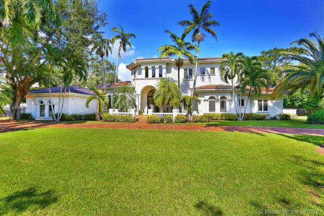 11015 SW 69th Ave, Pinecrest, FL 33156 (MLS #A10897133) :: The Riley Smith Group