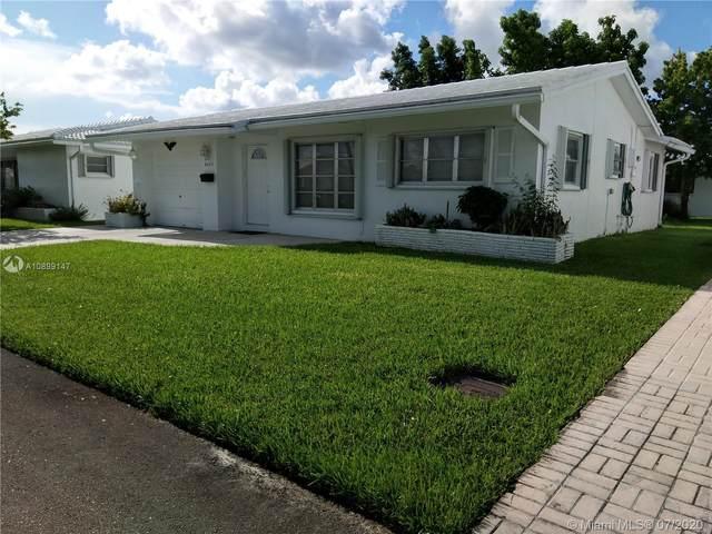 8423 NW 59th St, Tamarac, FL 33321 (MLS #A10899147) :: Berkshire Hathaway HomeServices EWM Realty