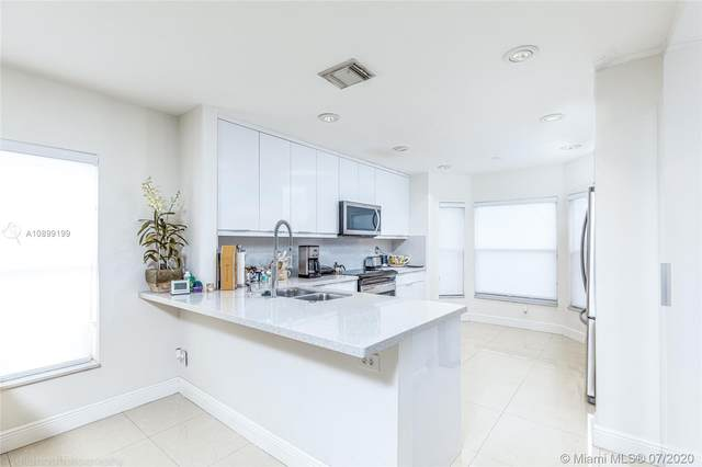 4913 SW 32nd Way, Hollywood, FL 33312 (MLS #A10899199) :: ONE   Sotheby's International Realty