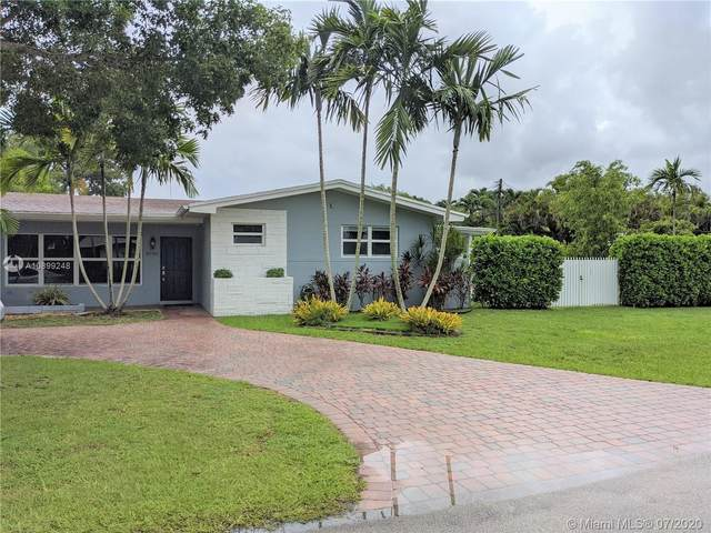 8945 SW 125th Ter, Miami, FL 33176 (MLS #A10899248) :: The Riley Smith Group