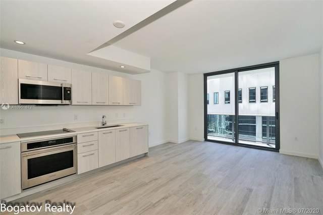 55 SW 9th St #2707, Miami, FL 33130 (MLS #A10901672) :: Berkshire Hathaway HomeServices EWM Realty