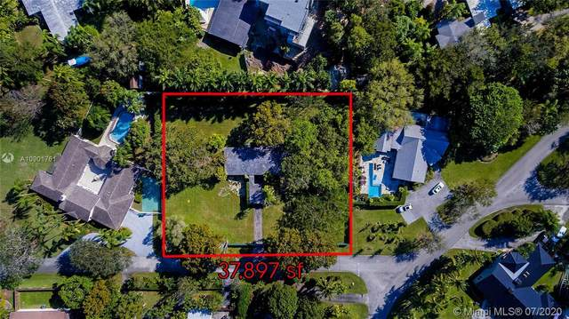 7930 SW 133rd St, Pinecrest, FL 33156 (MLS #A10901761) :: The Riley Smith Group