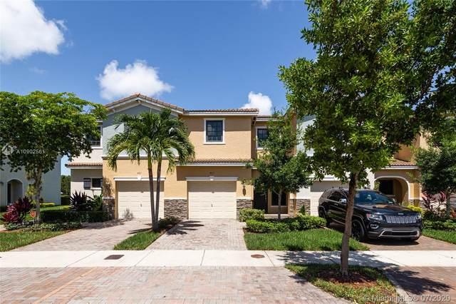 403 NE 194th Ln #403, Miami, FL 33179 (MLS #A10902561) :: Berkshire Hathaway HomeServices EWM Realty