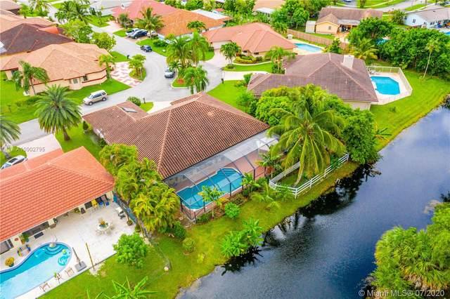 3915 NW 75th Ter, Lauderhill, FL 33319 (MLS #A10902795) :: Berkshire Hathaway HomeServices EWM Realty