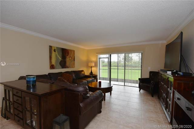 350 Racquet Club Rd #105, Weston, FL 33326 (MLS #A10903089) :: United Realty Group