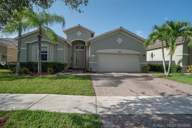 19131 Seneca Ave, Weston, FL 33332 (MLS #A10903212) :: The Teri Arbogast Team at Keller Williams Partners SW