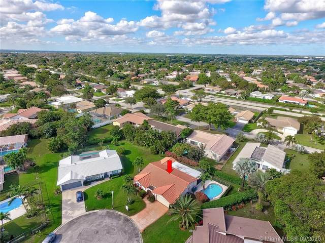 8377 NW 19th Ct, Coral Springs, FL 33071 (MLS #A10903322) :: The Jack Coden Group