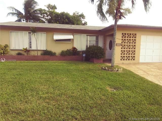 4508 NW 47th St, Tamarac, FL 33319 (MLS #A10903555) :: Berkshire Hathaway HomeServices EWM Realty