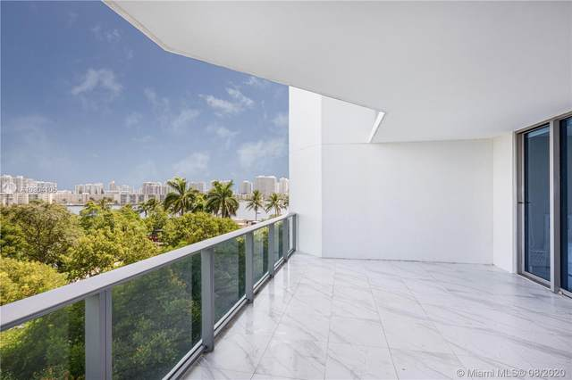 17301 Biscayne Blvd #404, North Miami Beach, FL 33160 (MLS #A10904105) :: Ray De Leon with One Sotheby's International Realty