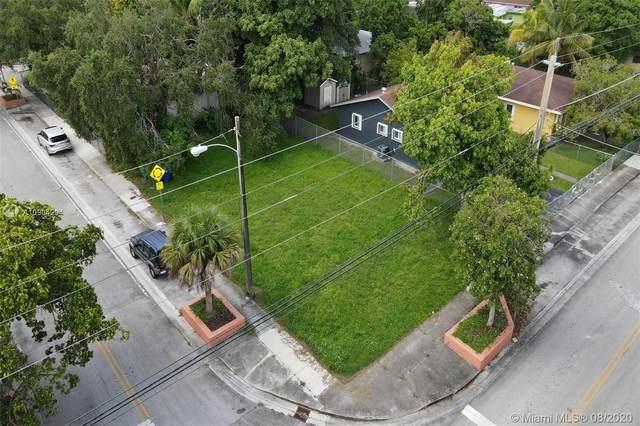 3540 Plaza St, Miami, FL 33133 (MLS #A10904204) :: Julian Johnston Team