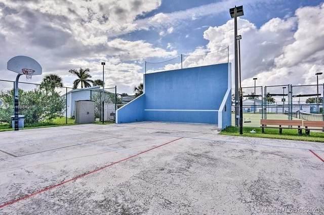 122 Nettles Blvd, Jensen Beach, FL 34957 (MLS #A10904298) :: Berkshire Hathaway HomeServices EWM Realty