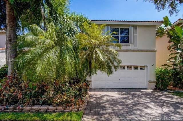 1046 Satinleaf St, Hollywood, FL 33019 (MLS #A10905534) :: ONE   Sotheby's International Realty