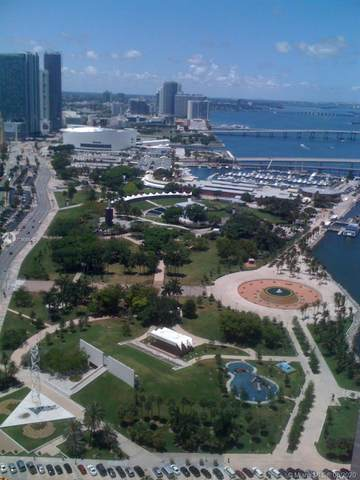 325 S Biscayne Blvd #4224, Miami, FL 33131 (MLS #A10906543) :: Berkshire Hathaway HomeServices EWM Realty