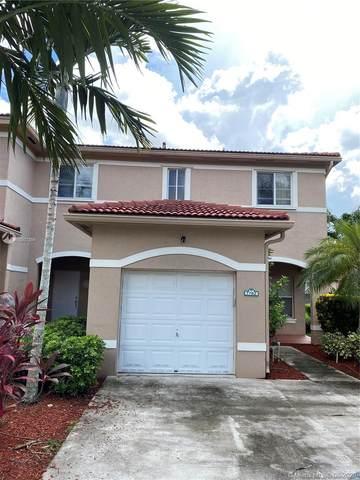 7782 N Southwood Cir, Davie, FL 33328 (MLS #A10907394) :: Lifestyle International Realty