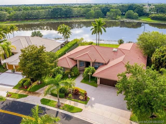 397 Coconut Cir, Weston, FL 33326 (MLS #A10907639) :: Green Realty Properties