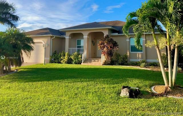 711 Deauville Dr, Punta Gorda, FL 33950 (MLS #A10907813) :: Carole Smith Real Estate Team