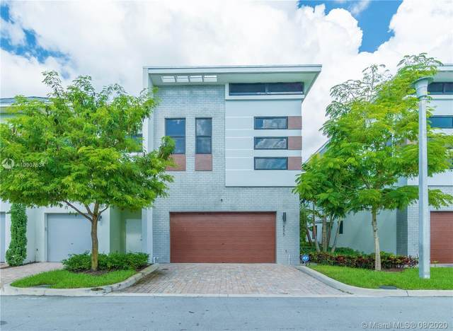 855 NW 45th Ter #855, Plantation, FL 33317 (MLS #A10907834) :: Prestige Realty Group