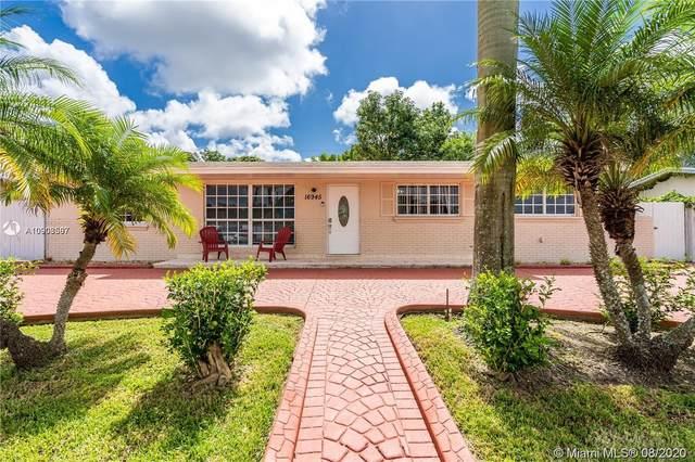 16945 SW 119th Pl, Miami, FL 33177 (MLS #A10908587) :: Albert Garcia Team