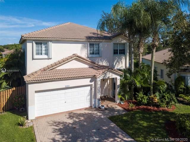 16404 Ruby Lk, Weston, FL 33331 (MLS #A10910544) :: Castelli Real Estate Services