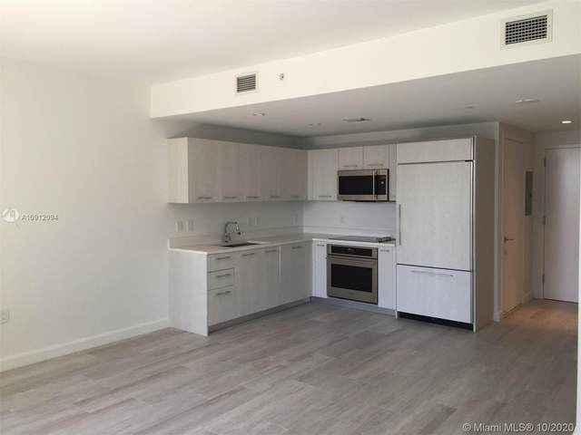 45 SW 9 St #1402, Miami, FL 33131 (MLS #A10912094) :: Berkshire Hathaway HomeServices EWM Realty