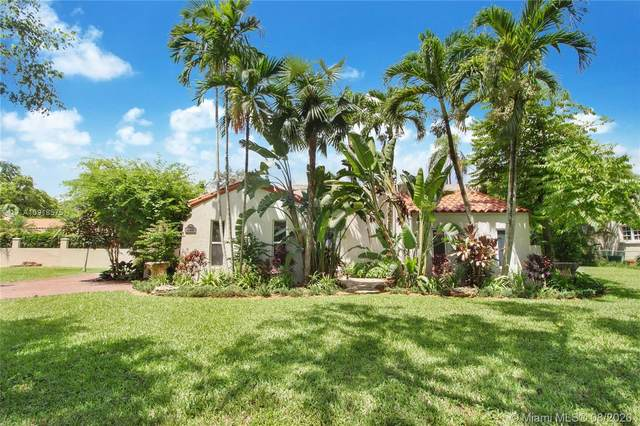 1433 Santa Cruz Ave, Coral Gables, FL 33134 (MLS #A10918575) :: Berkshire Hathaway HomeServices EWM Realty
