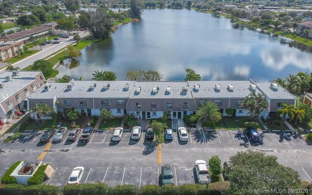 4118 SW 61st Ave #10, Davie, FL 33314 (MLS #A10920075) :: The Paiz Group