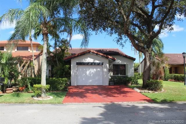 17611 NW 66th Ct, Hialeah, FL 33015 (MLS #A10920990) :: Berkshire Hathaway HomeServices EWM Realty