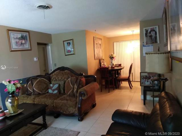 4215 NW 52nd Ave, Lauderdale Lakes, FL 33319 (MLS #A10921694) :: Berkshire Hathaway HomeServices EWM Realty