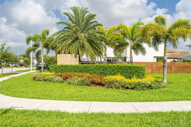 15157 SW 175th St, Miami, FL 33187 (MLS #A10922186) :: Berkshire Hathaway HomeServices EWM Realty