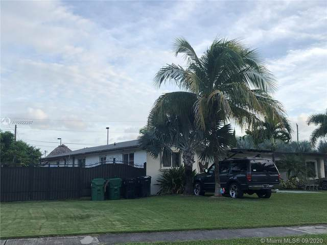 11220 SW 181st Ter, Miami, FL 33157 (MLS #A10922287) :: The Riley Smith Group