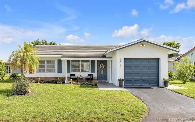 6906 NW 76th Dr, Tamarac, FL 33321 (MLS #A10923361) :: Berkshire Hathaway HomeServices EWM Realty
