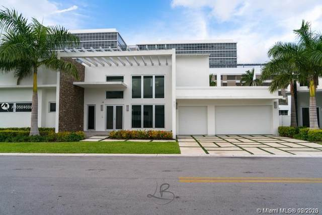 8231 NW 34 Th Dr, Doral, FL 33122 (MLS #A10924639) :: The Riley Smith Group