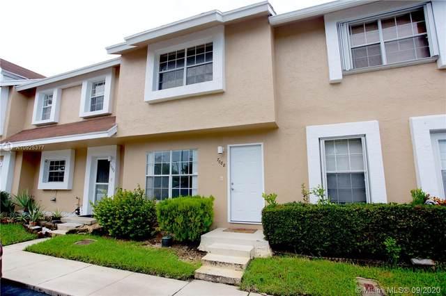 7088 Woodmont Ave, Tamarac, FL 33321 (MLS #A10925377) :: Berkshire Hathaway HomeServices EWM Realty