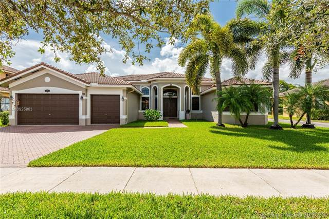 2216 SW 195th Ave, Miramar, FL 33029 (MLS #A10925803) :: The Howland Group