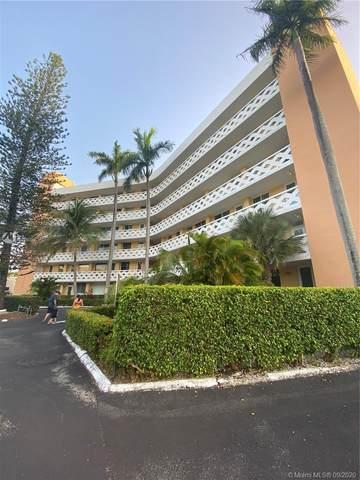 2400 NE 9th Street #402, Fort Lauderdale, FL 33304 (MLS #A10926039) :: Berkshire Hathaway HomeServices EWM Realty