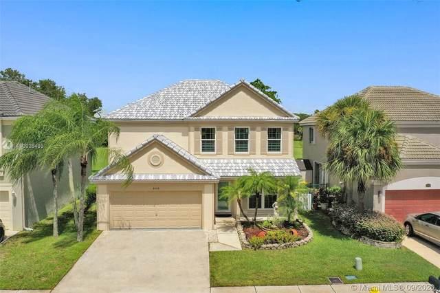9753 N Grand Duke Cir, Tamarac, FL 33321 (MLS #A10926468) :: Berkshire Hathaway HomeServices EWM Realty
